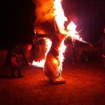 tűzzsonglőr bemutató
