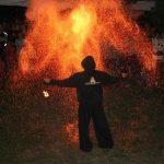 Bátor, Falunap, tűzzsonglőr bemutató 2015