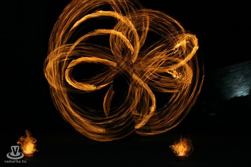 Sárvár, Báthory Lakoma, Tűzzsonglőr Bemutató 2013